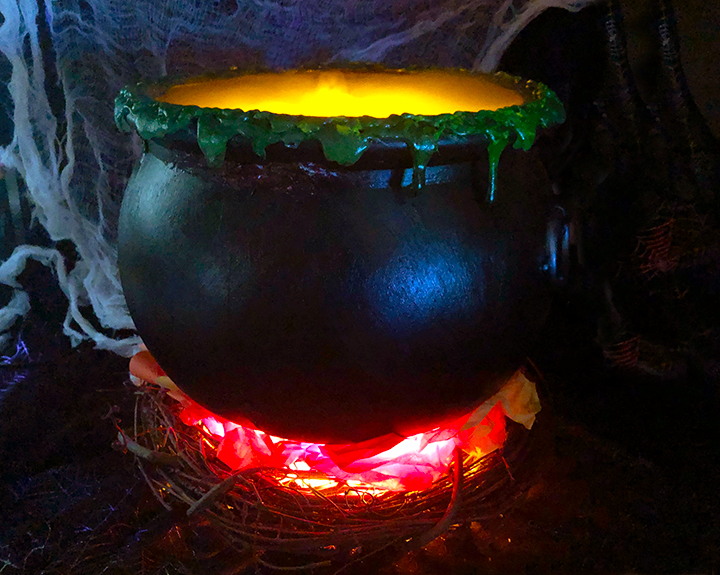 Witch's Cauldron with Easy Fake Fire
